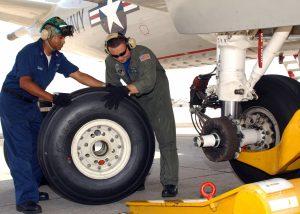 بازرسی ارابه های فرود هواپیما به روشهای تست ذرات مغناطیسی